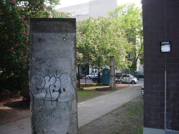 Berlin Wall Bowie