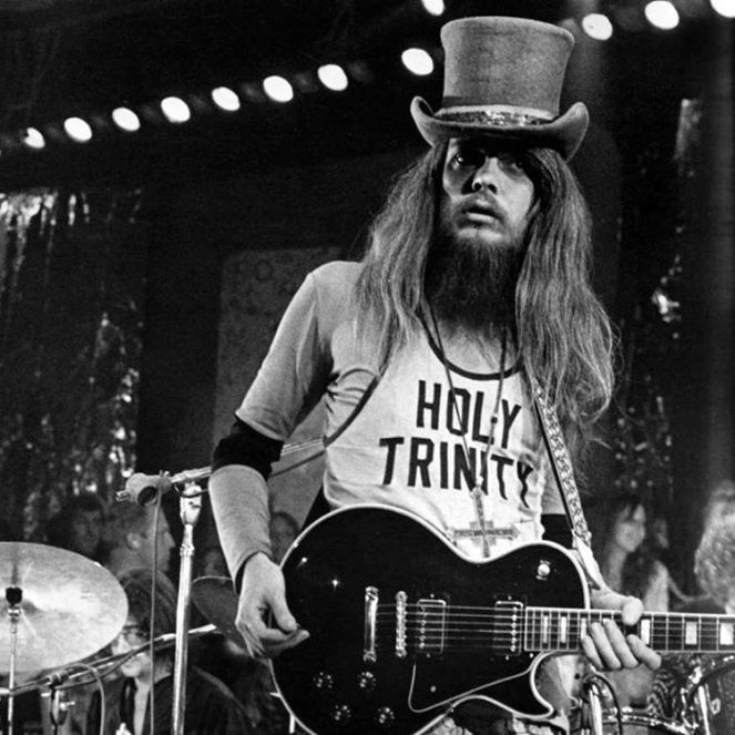 Leon Russell in tune